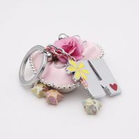 The exciting yellow daisy word H alloy ring