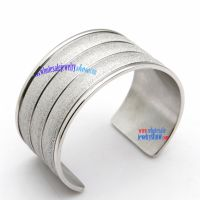 New Fashion Style Steel Bangle with a Special Design of Three Repeat Layer