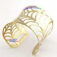 Lightweight and unique stainless steel jewelry bangles with tree -leaf appearance