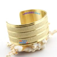 The noble and charmful golden bangles will give you amazing feeling