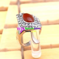 The Rings with the Big Ruby and Small Dazzling Diamonds, Make you More Charming