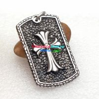 The stainless steel pendant with the ancient cross is full of the classical favor