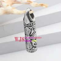 Stainless steel beautiful and gorgeous flower pattern unique females pillow pendant