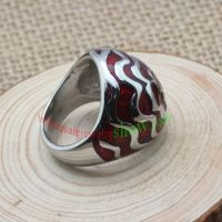 Flower and red background ring made of stainless steel