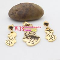 Sweet design of fox with gold body decorated with black fashionable and special jewelry set