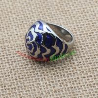 Flower and blue background ring & made of stainless steel