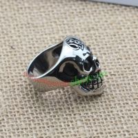 This ring made of stainless steel can pass happiness