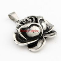 Women's Perfect Gift Luxury Jewelry Stainless Steel Silvery Rose Shape Vintage Pendant Necklace Chain Length: 3.5 cm
