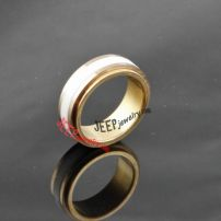 The everlasting golden ceramic ring