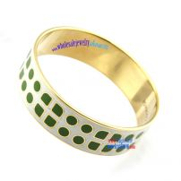 If you want to have a colorful life , the bangles online can give you a fresh felling