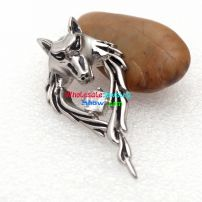 A really noble stainless steel pendant with the special design and the shinning stone