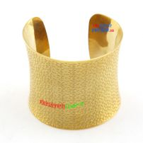 The amazing bangles , the new bangles , the fashionable bangles , they are all in one