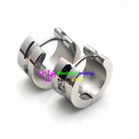 A Distinctive earring at The Style of Moon Made of the Material of Stainless Steel