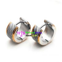A Distinctive Earring at The Style of Wheels Made of the Material of Stainless Steel