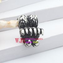 The attractive and elegant design of the fashionable design of women pendants