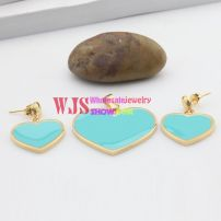 Cute heart-shaped jewelry set mini blue hearts with gold edge
