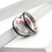 2014 black silver color man-made gem stone ring couple stainless steel ring 316L fashion design ring【Women】