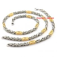 The argent buckle and yellower buckle shape of choker and bracelet big man jewelry