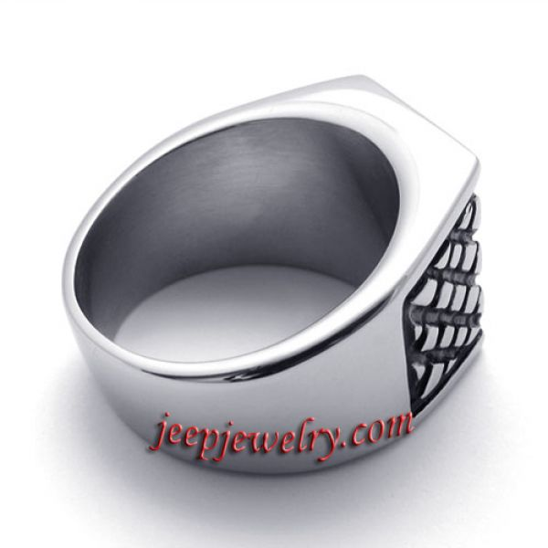 Checkered stainless steel ring