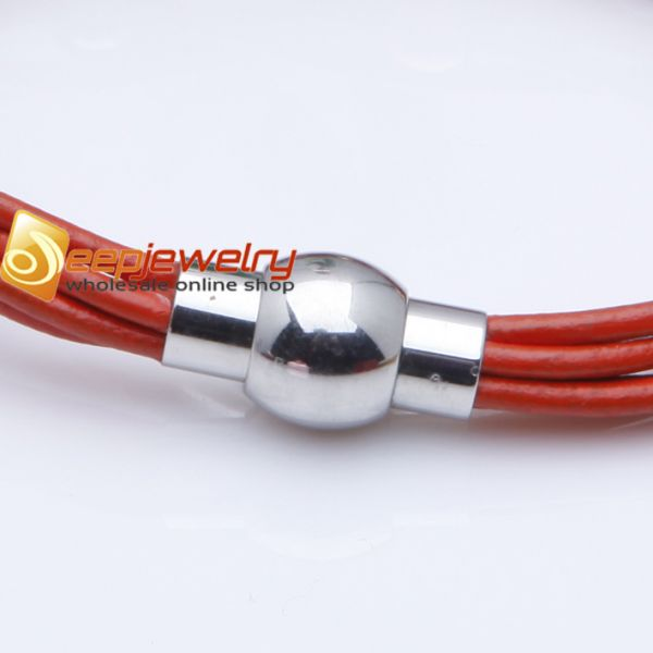 The charm of fashion red cortex bracelet