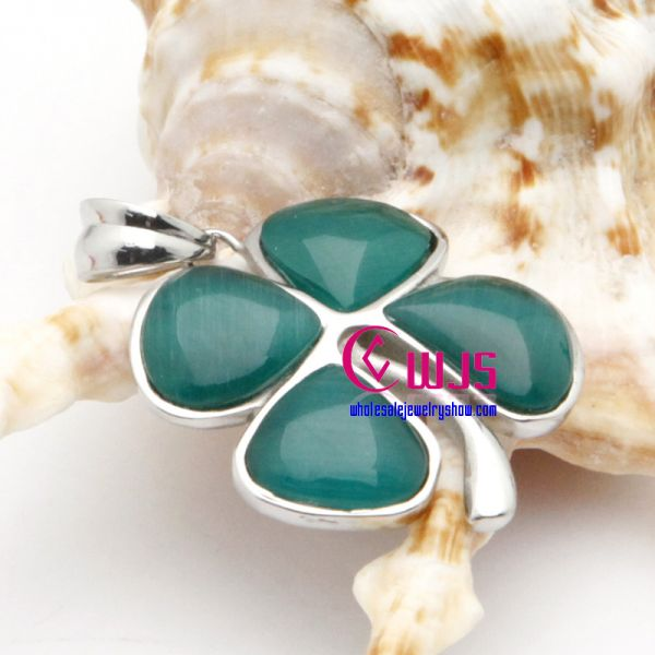 Four Leave shaped exquisite amethyst pendants made of stainless steel for wholesale