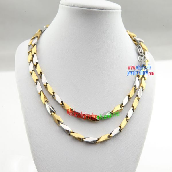 Full of Charm stainless steel Necklace is Made of silver and Yellow color